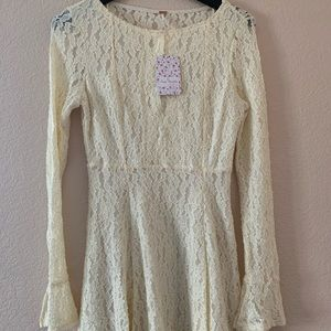 New: Free people Ivory lace bell sleeve dress
